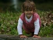 Land-und-Kind.de: Krabbel in die Kamera