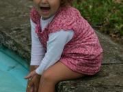 Land-und-Kind.de: Kalt! Kleine Elfe am Brunnen