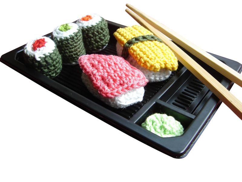 Sieht zum Anbeißen aus - gehäkeltes Sushi zum Spielen und Verschenken