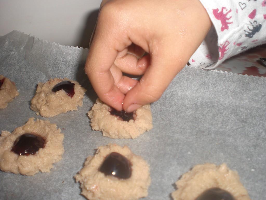Kinderleicht: Leckere Kekse backen zur Weihnachtszeit!