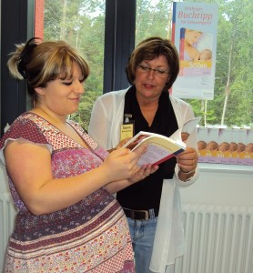 Bei der Arbeit: Stillberaterin Dora Schweitzer im Gespräch mit einer Schwangeren