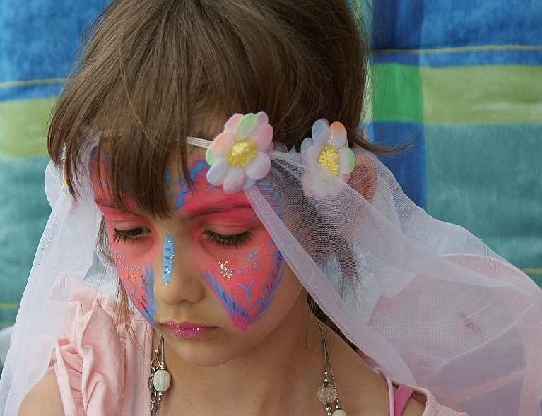 Eine Motto-Party für Mädchen: Prinzessinnen-Ball, Feen-Party und Co.