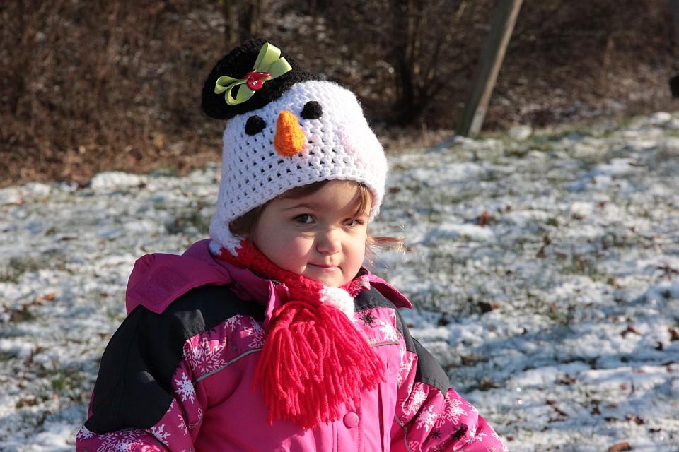 Winterliches Fotoshooting mit Schneemann-Mütze von BabyBVintage