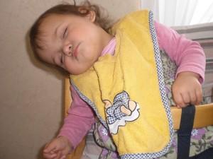 Kleine Kinder schlafen überall? Unsere Jüngste nicht ...