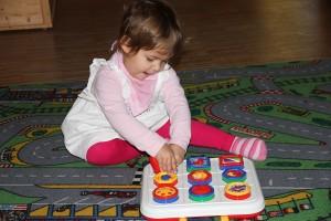 Die Spielangebote des Kindergartens werden mit Begeisterung genutzt