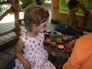 Kinderschminken im Erlebnis-Zoo Hannover
