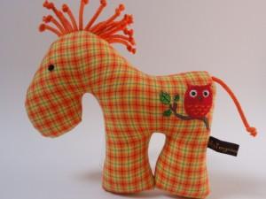 Ein Rasselpferd von Toysies by Anja - wunderschöne Kuschelfreunde für kleine Hände