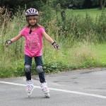 Macht riesig Spaß, wenns erstmal läuft: Inline-Skating am Sonntag auf dem Schulhof