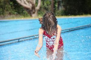 Toben im Freibad - Ein Vergnügen wenn die Sonne lacht