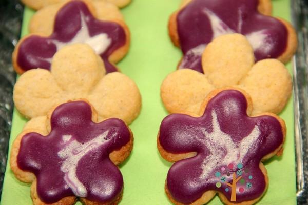 Hawaii-Party, Pool-Party, Beach-Party: Hibiskusblüten Kekse