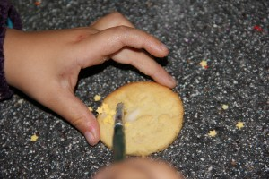 Kekse einfach dekorieren mit dem Pinsel