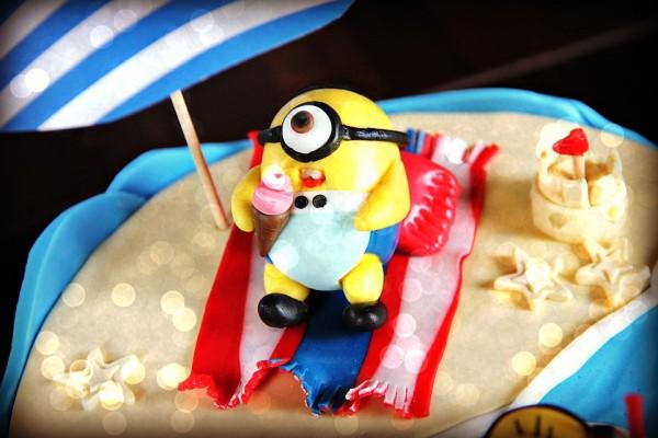 Das Highlight -> Unsere Minions-Torts von Bella loves Cake
